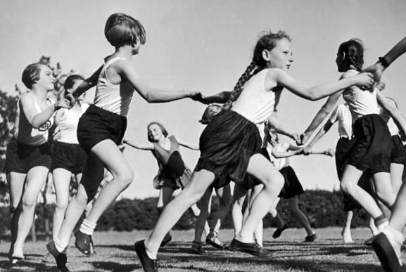 the hitler youth hitler jungen and the bund This alarming footage reveals the activities inside a nazi youth summer  in the video named volks-deutsche/jungen in usa, american teens can be  nazi loyalists in the us, such as the german american bund led by fritz.